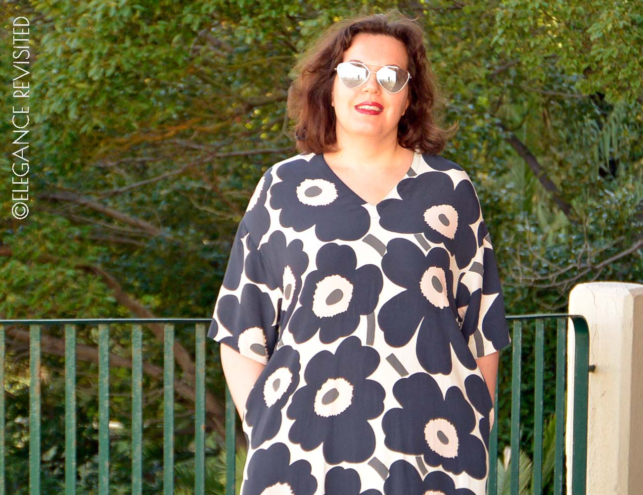 how to wear a kaftan over 40