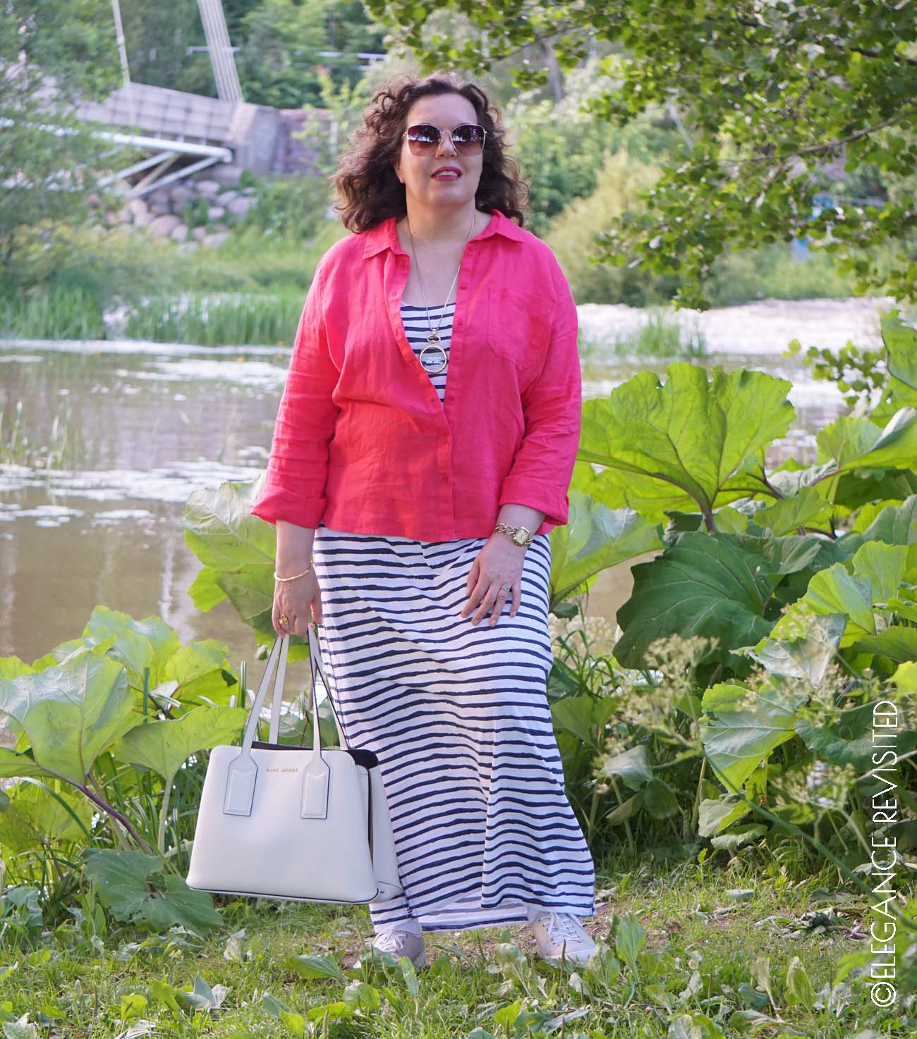 how to wear bright colours